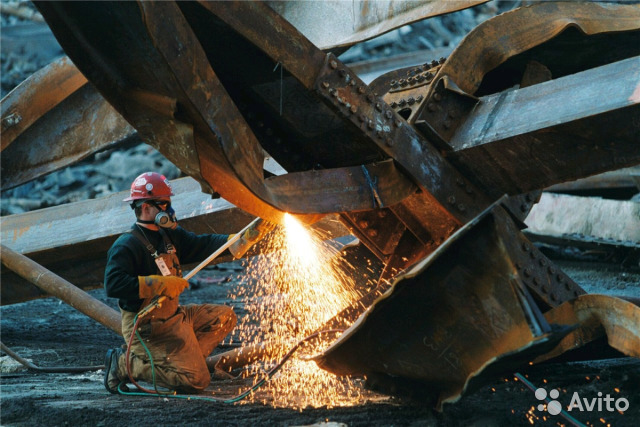 Снос металлоконструкций, зданий и сооружений